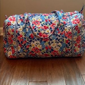 Vera Bradley Summer Cottage large duffle bag